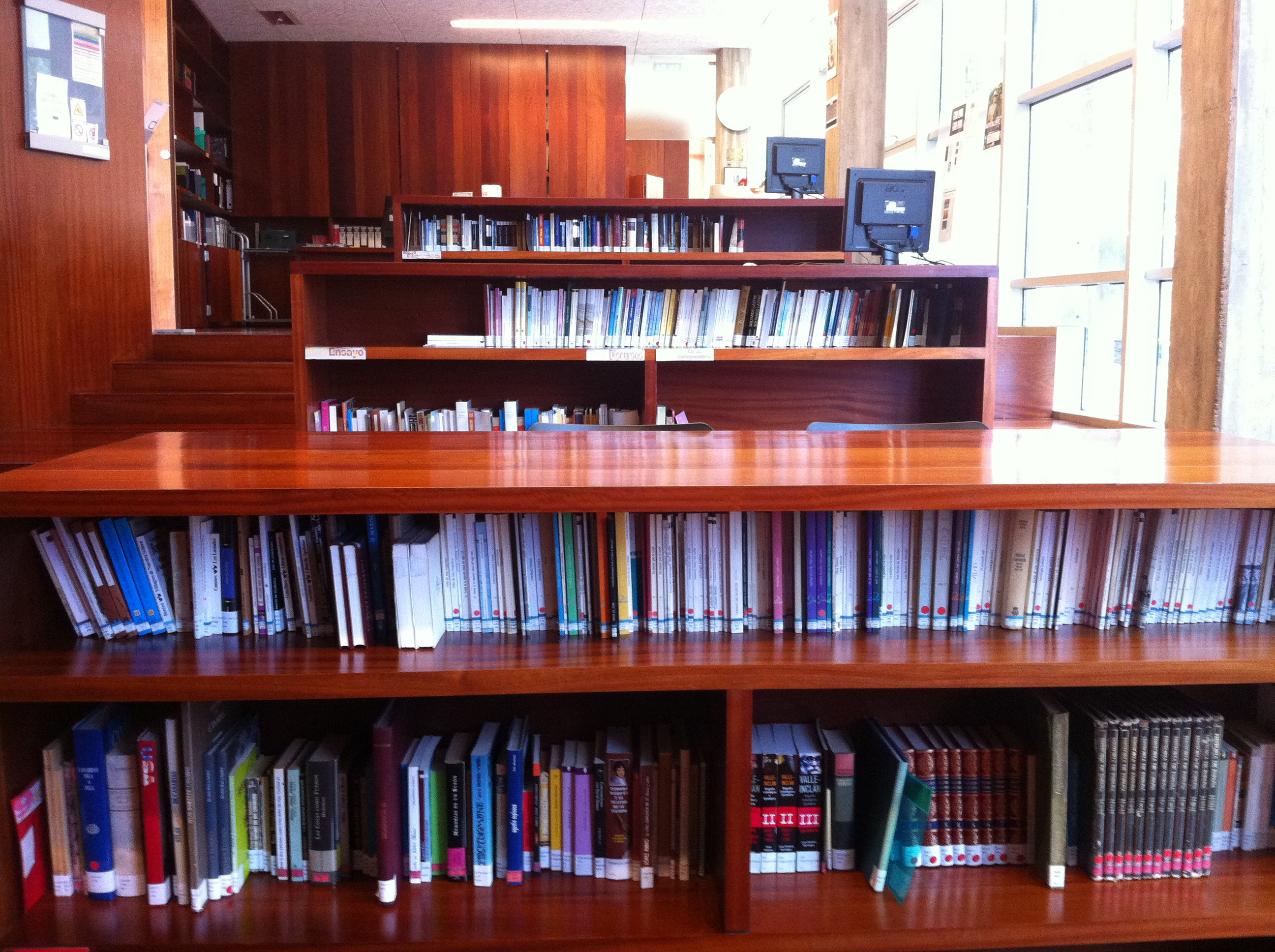 » Biblioteca